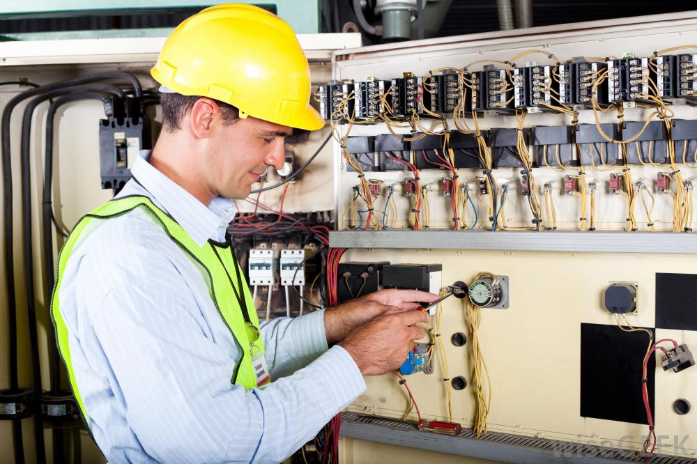 Lavatek - Diploma in Industrial Electrician Training,Training ...